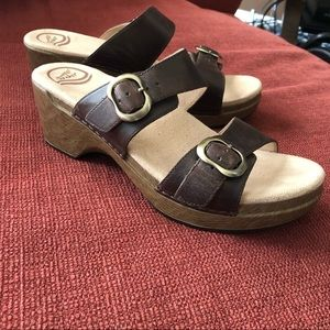 NEW NEVER WORN Dansko Sophie Sandal Size 40 9.5-10